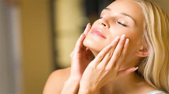 4 علاجات لمشاكل الشعر والبشرة من صيدلية الطبيعة