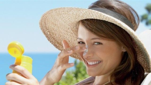 6 نصائح تساعدك على حماية بشرتك فى فصل الصيف