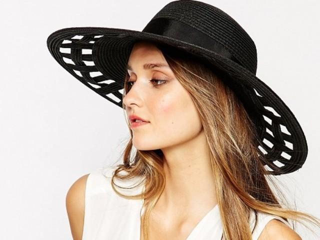 بالصور..أجمل القبعات النسائية لربيع وصيف 2015