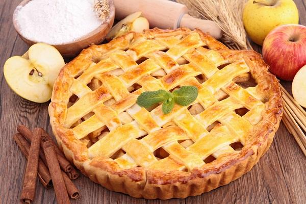 5 وصفات سهلة وصحية لإعداد التفاح