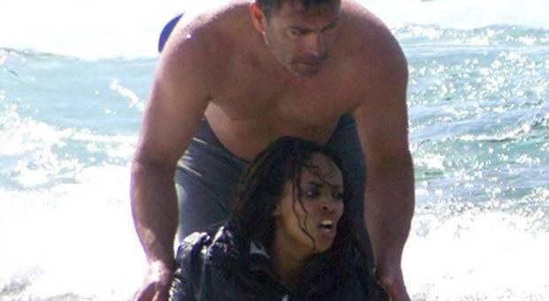 قصة بطل يوناني أنقذ 20 مهاجرا سريا من الغرق
