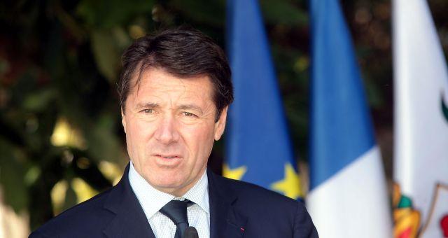 عمدة نيس: فرنسا مهددة من قبل