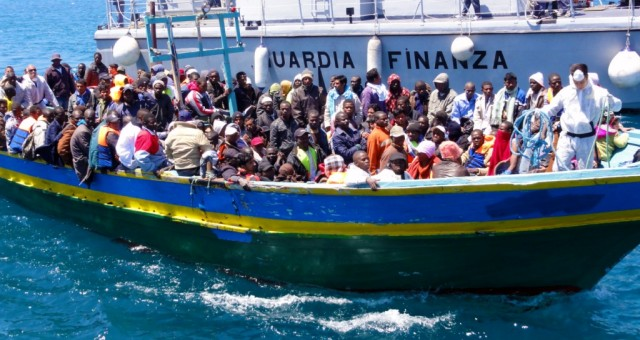 وصول 150 مهاجرا سريا إلى إيطاليا قادمين من ليبيا
