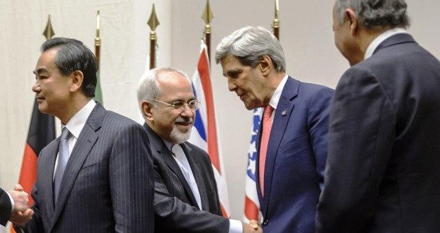 واشنطن تلوح بخيار الحل العسكري ضد إيران