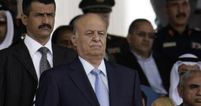 هادي يعيد ترتيب صفوف الجيش اليمني