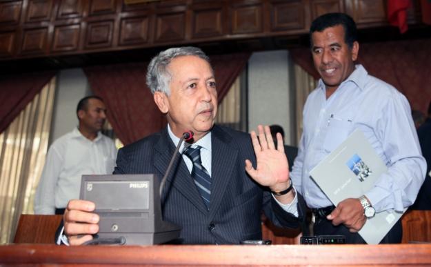 تشييع جثمان الشاعر السوداني محمد الفيتوري بمقبرة الشهداء بالرباط