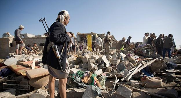 قتال عنيف في عدن بين الحوثيين والمقاومة الشعبية