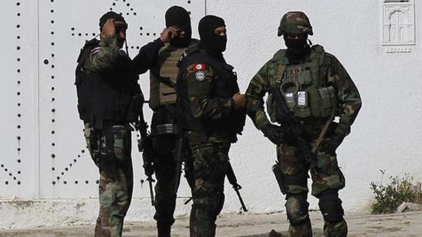 تونس تعتقل متطرفا يحمل حزاما ناسفا في سيدي بوزيد