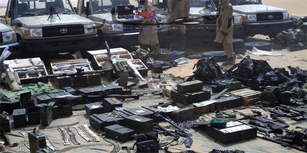 الجيش الجزائري يحبط محاولة تهريب الأسلحة قرب منطقة تندوف
