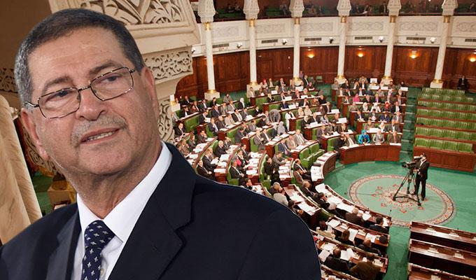 رئيس الحكومة التونسية ينفي نية تعديل حكومي ويقر بضرورة تقييم أدائها