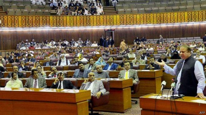 البرلمان الباكستاني يرفض طلب السعودية