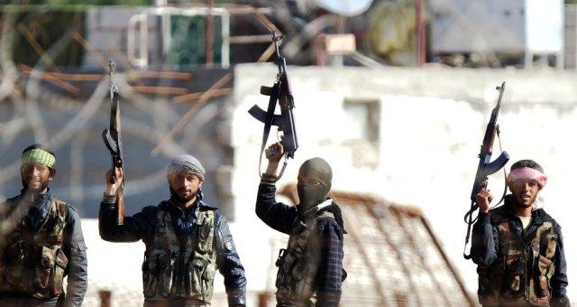 المعارضة السورية تسيطر على معسكر القرميد في إدلب