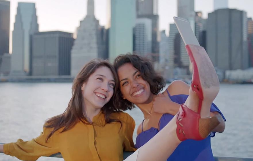 بالفيديو: ابتكار حذاء لتصوير