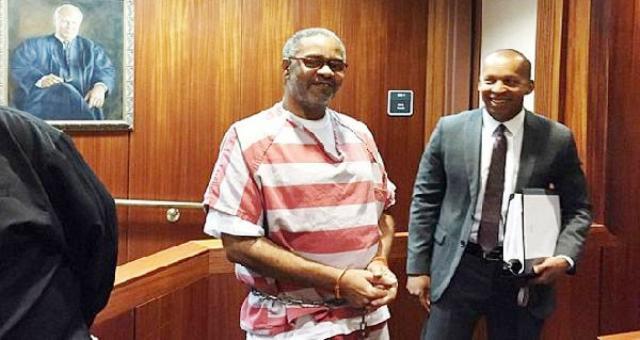 أطلق سراحه بعد أن انتظر الإعدام 30 عاما