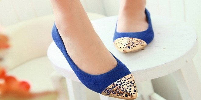 الأحذية المسطحة لإطلالة صيفية مريحة