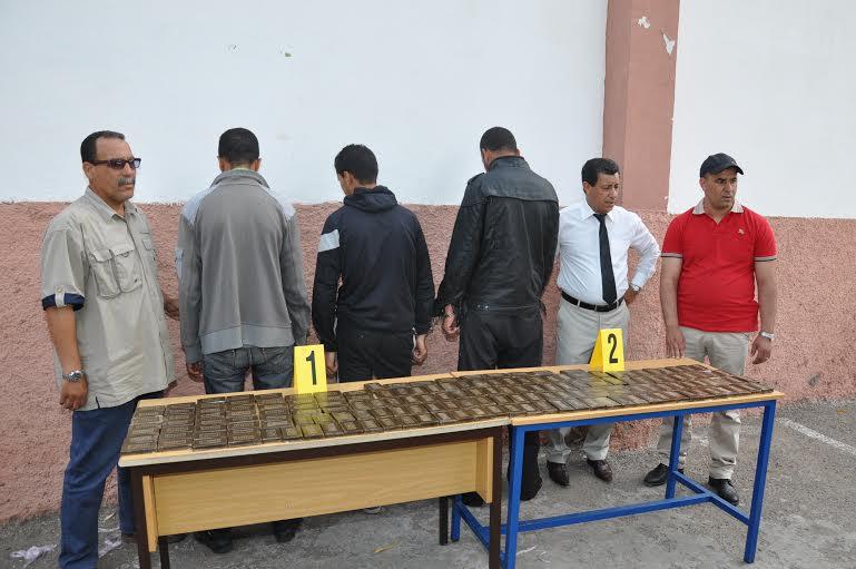 القبض على مروجي مخدرات بحوزتهم 23 كلغراما من