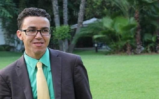 الصحافي هشام المنصوري