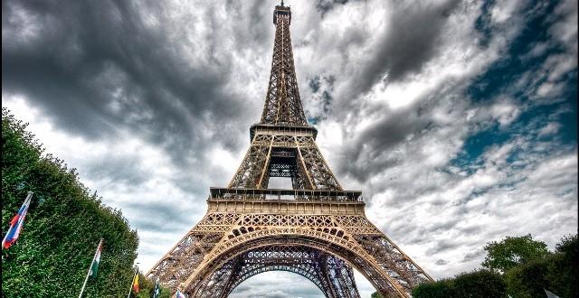 برج إيفل-مشاهد24