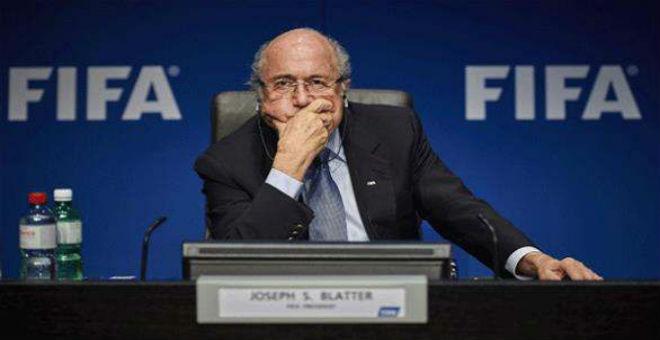 بلاتر يكشف أسباب استقالته من رئاسة الفيفا