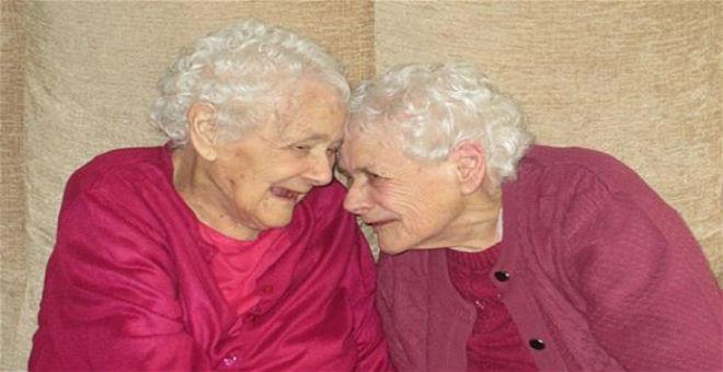 وفاة أكبر شقيقتين توأم في العالم عن عمر 103 أعوام