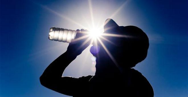 6 نصائح للوقاية من ضربة الشمس والإرهاق الحراري