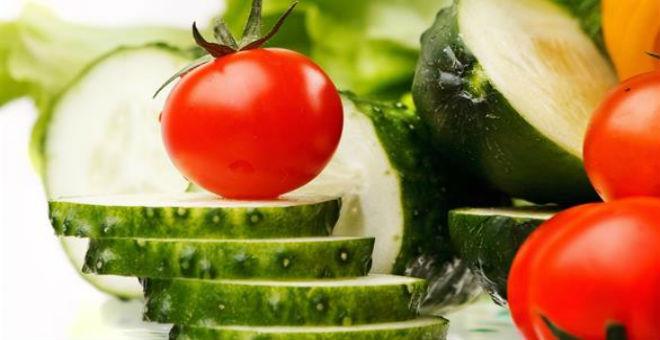كيف تفقد الوزن الزائد بواسطة الطماطم والخيار؟