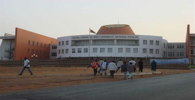 هذه هي جمهورية غينيا بيساو التي يزورها العاهل المغربي غدا