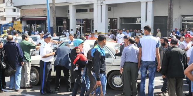 منع مسيرة أصحاب سياراة الأجرة الحجم الكبير في الدار البيضاء