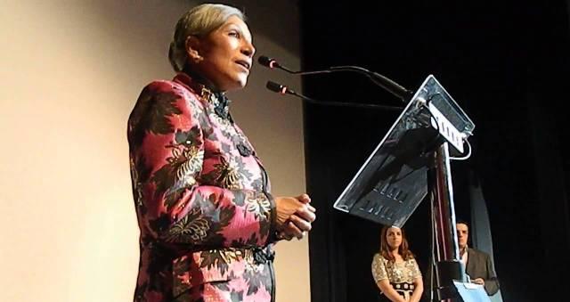 تكريم الفنانة المغربية نعيمة المشرقي في مهرجان المسرح بفاس