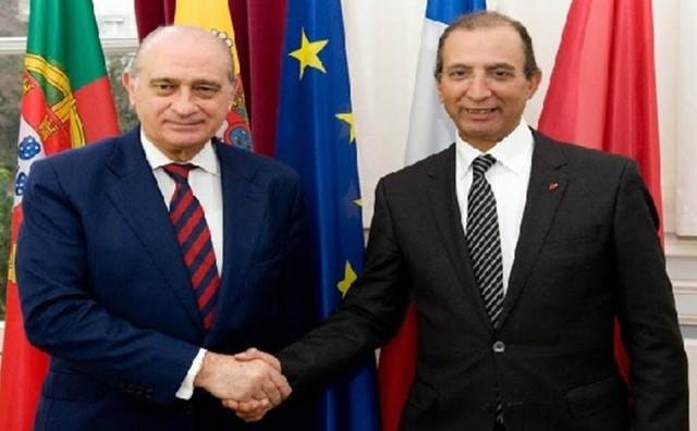 وزير داخلية اسبانيا والمغرب