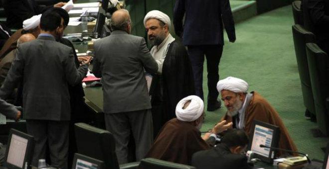 شريط يكشف انقسام إيران بشأن النووي