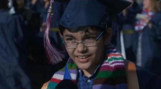 طفل في الحادية عشرة يحصل على 3 شهادات جامعية
