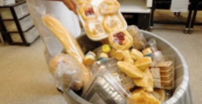 فرنسا تفرض عقوبات على إهدار الطعام