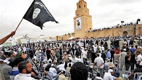 تنافس بين القاعدة وداعش على بسط نفوذهما على تونس