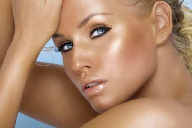 نصائح للحصول على لون بشرة ذهبي هذا الصيف