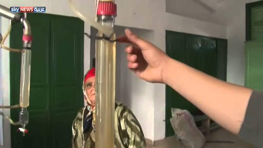 تونسيات ينتجن الزيوت من النباتات