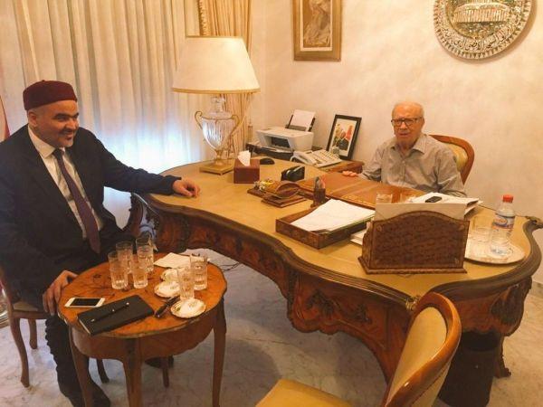 الرئيس التونسي يمنع زيارة القرضاوي ويستقبل نائبه
