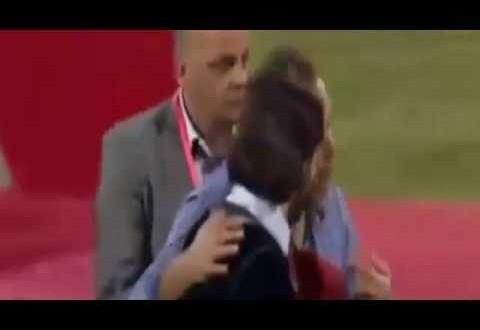 فيديو…طرد الممثل المغربي هشام بهلول من منصة تتويج الوداد