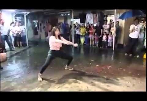 فيديو…فتاة تؤدي حركات قتالية