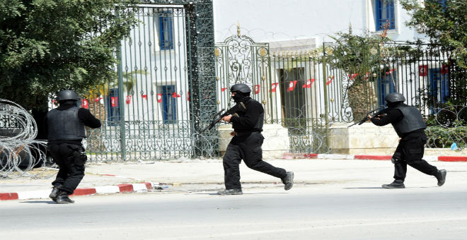 الإرهاب يضرب تونس مجددا..قتلى وجرحى في هجوم بسوسة