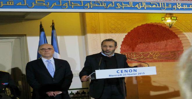 فرنسا: بعد الاعتداء على مسجد..كازنوف يعلن تضامنه