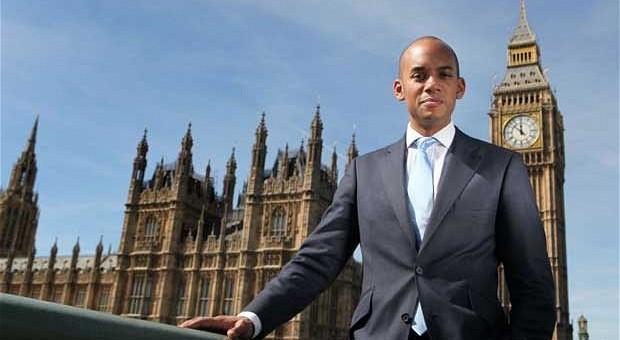 بريطانيا: أومونا ينسحب من سباق زعامة حزب العمال