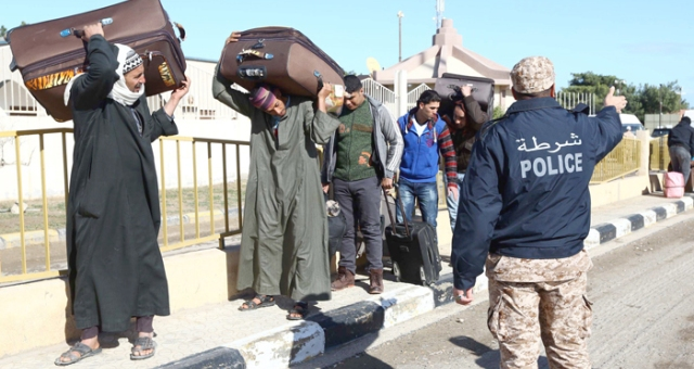 حكومة طرابلس تعتقل 163 مهاجر مصريا غير شرعي
