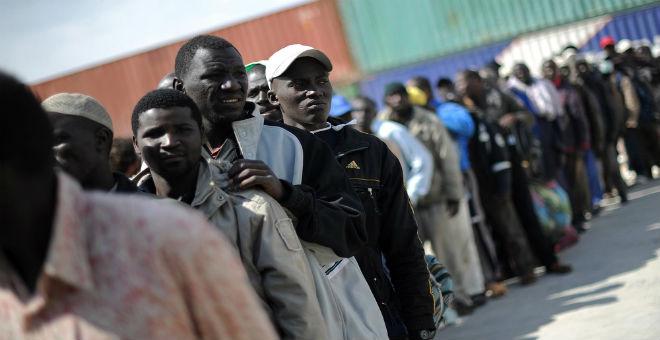 توقيف مهربين ومهاجرين غير شرعيين في بنغازي