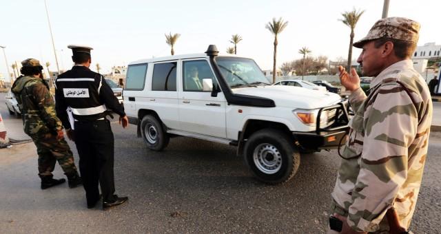 مدير معبر راس أجدير ينفي فرض تونس قيود على دخول الليبيين