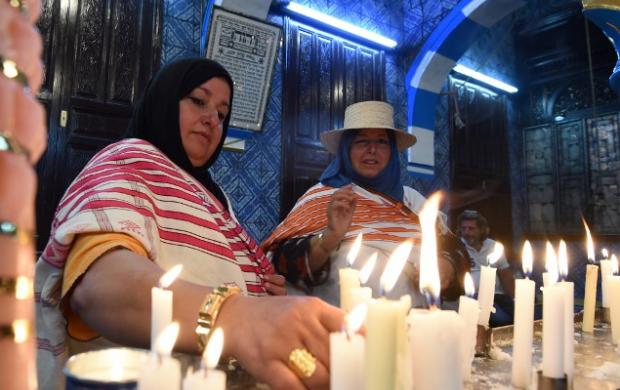 وزير الداخلية التونسي يضمن لليهود الحماية أثناء حجهم السنوي بجزيرة جربة