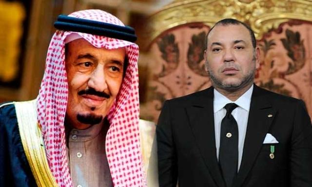 العاهل المغربي يحل بالسعودية ويستقبل من طرف خادم الحرمين الشريفين