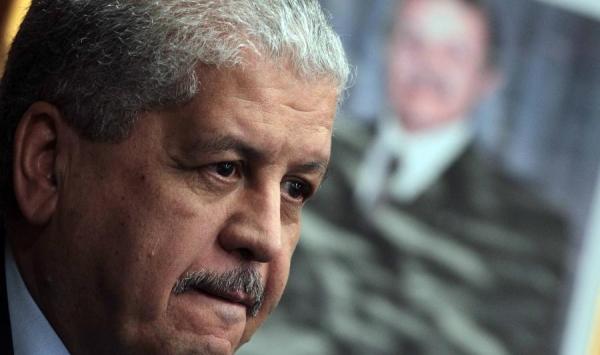 الجزائر تستنفد جهودها لحل أزمة البترول