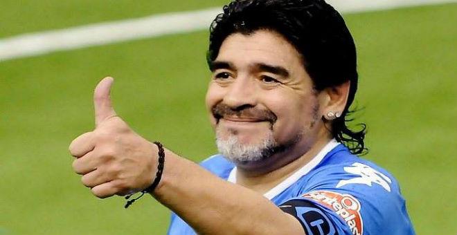مارادونا يبرز سعادته بعد إعتقال أعضاء من الفيفا