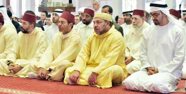 العاهل المغربي يؤدي صلاة الجمعة في أبو ظبي ويزور السعودية يوم الأحد